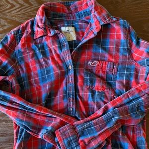 hollister red and blue plaid flannel shirt